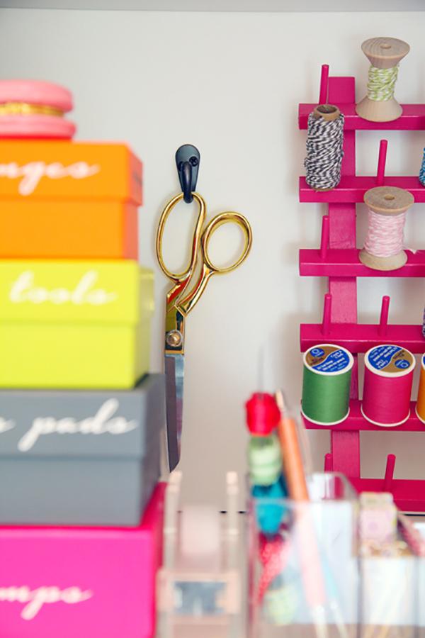 hanging-scissor-storage