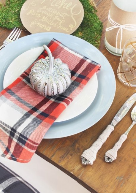 plaid napkin tablescape thanksgiving