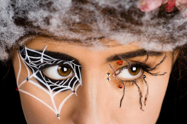 spide web eyes makeup tutorial
