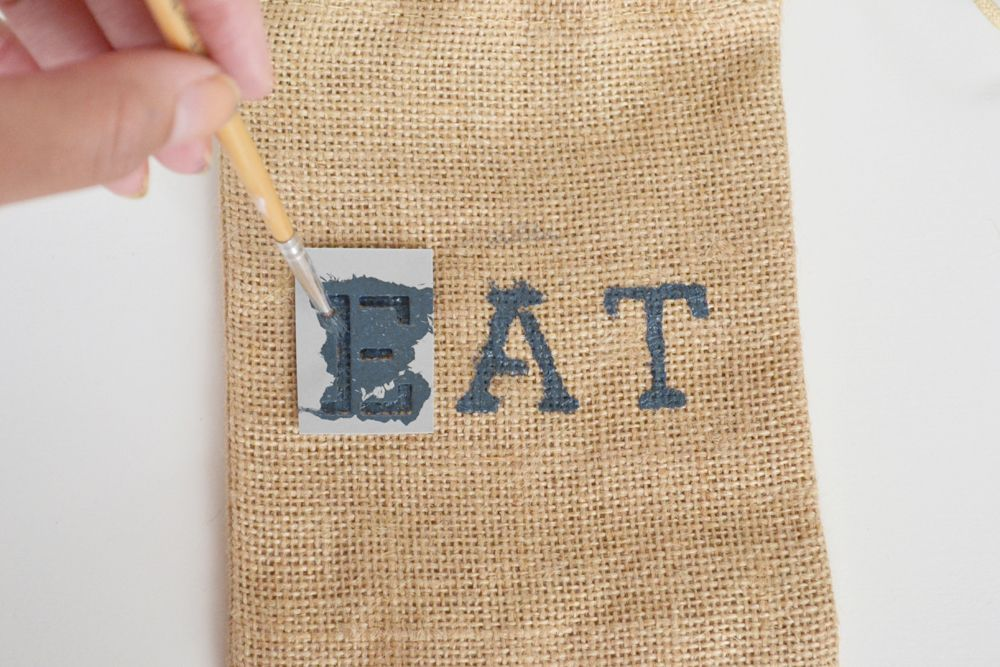 Burlap Utensil Holders - continue to stencil