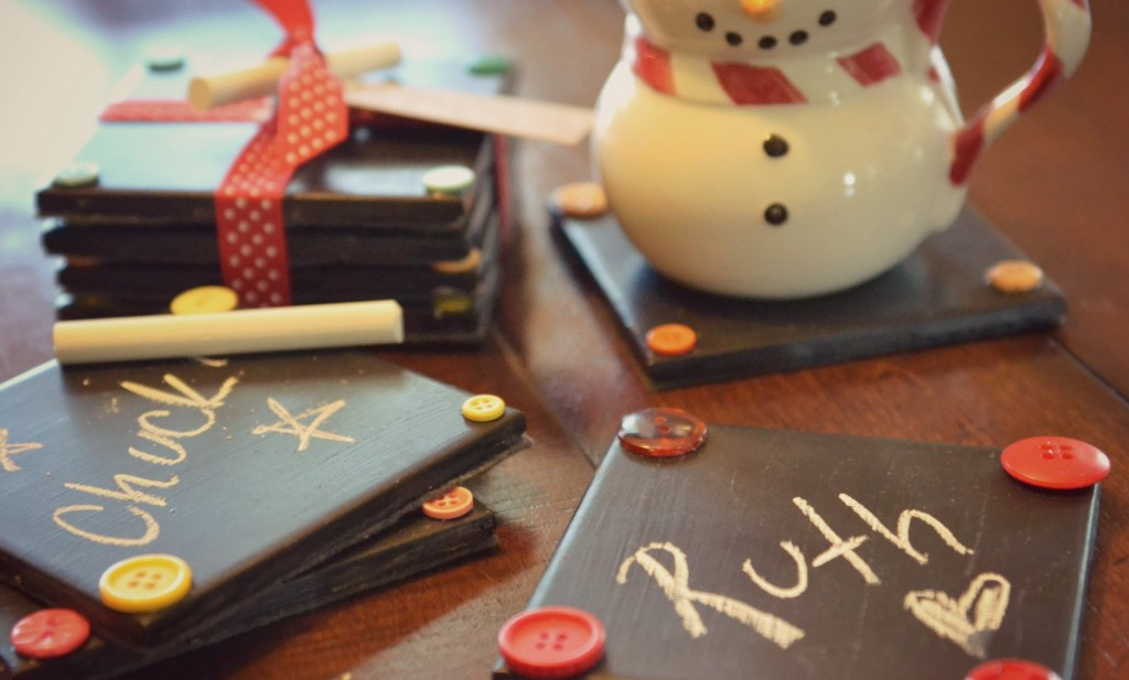 25 diy christmas gifts for your wife diy chalkboard coasters solutioingenieria Gallery