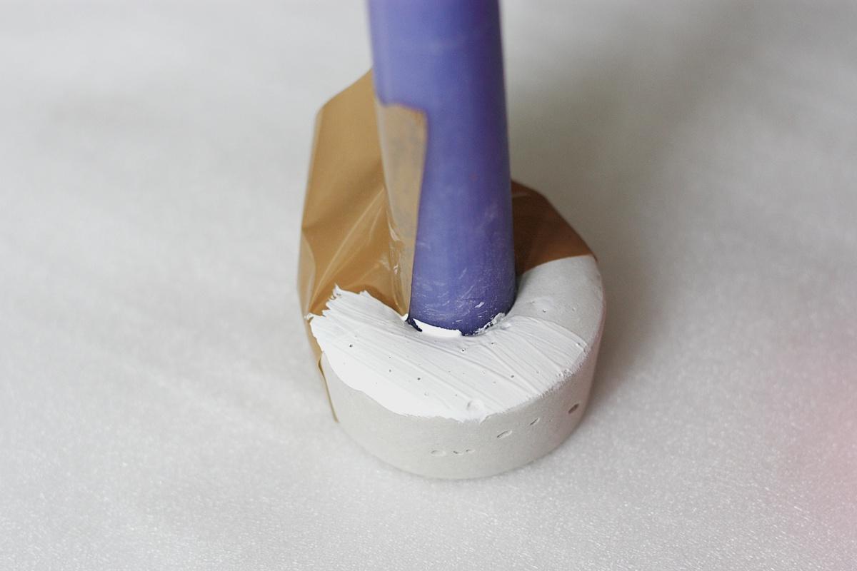 DIY Concrete Candle Holder paint