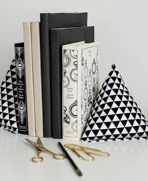 DIY Fabric Pryamid Bookends