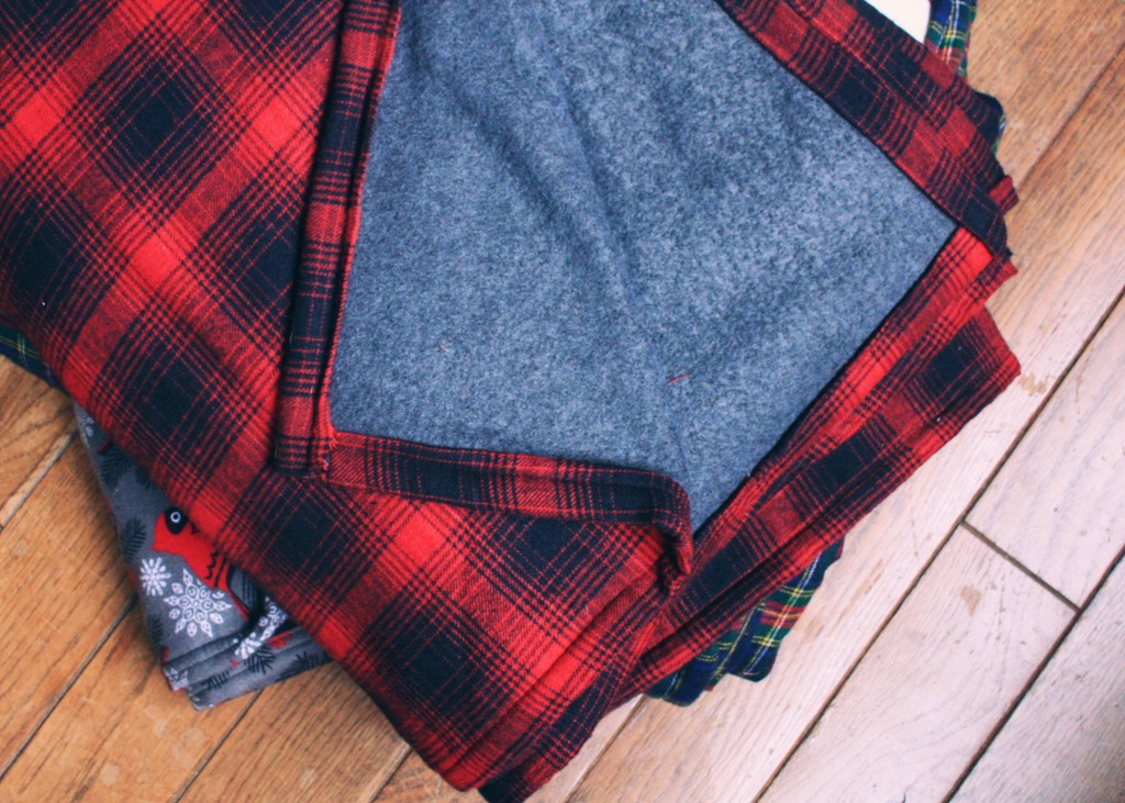 DIY Flannel christmas blanket