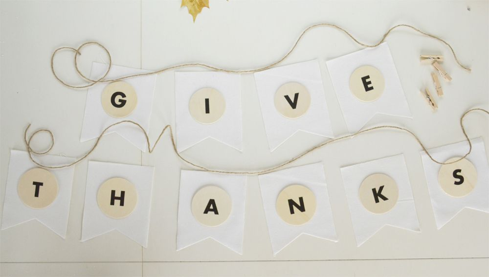 DIY Give Thanks Banner For Thanksgiving - Letters and Circles