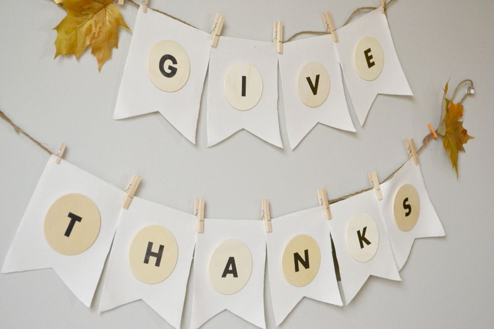 DIY Give Thanks Banner For Thanksgiving Tutorial