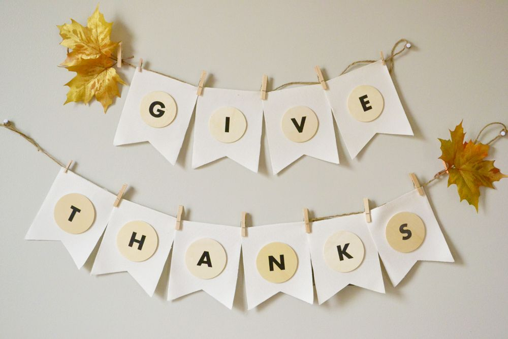 DIY Give Thanks Banner For Thanksgiving