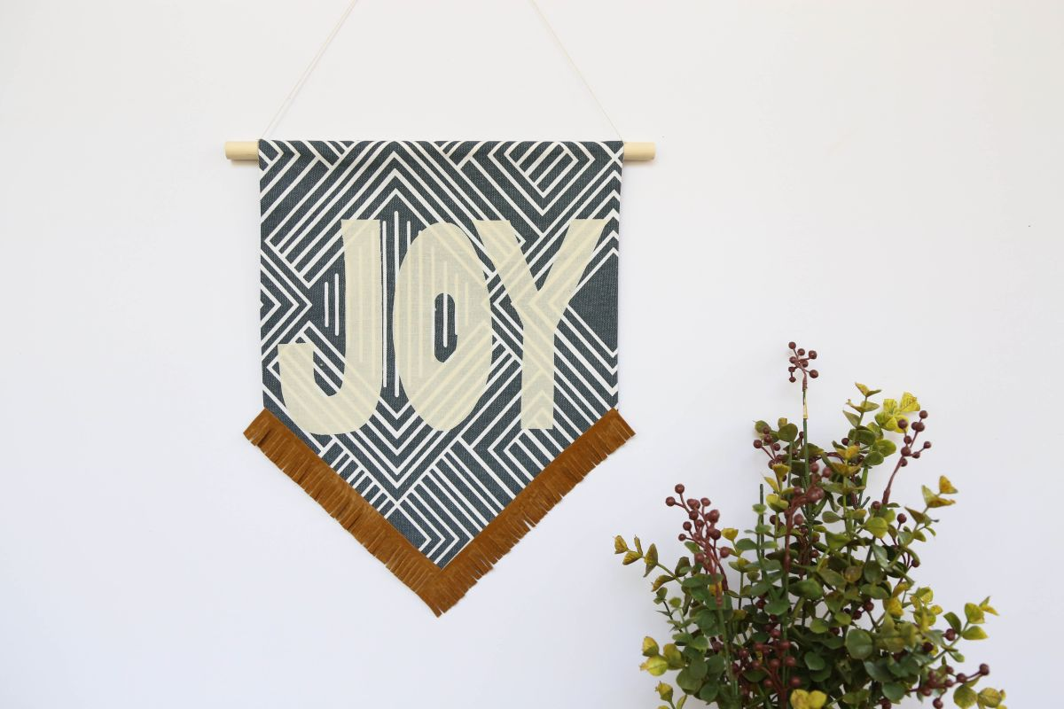 DIY Holiday Fabric Banner