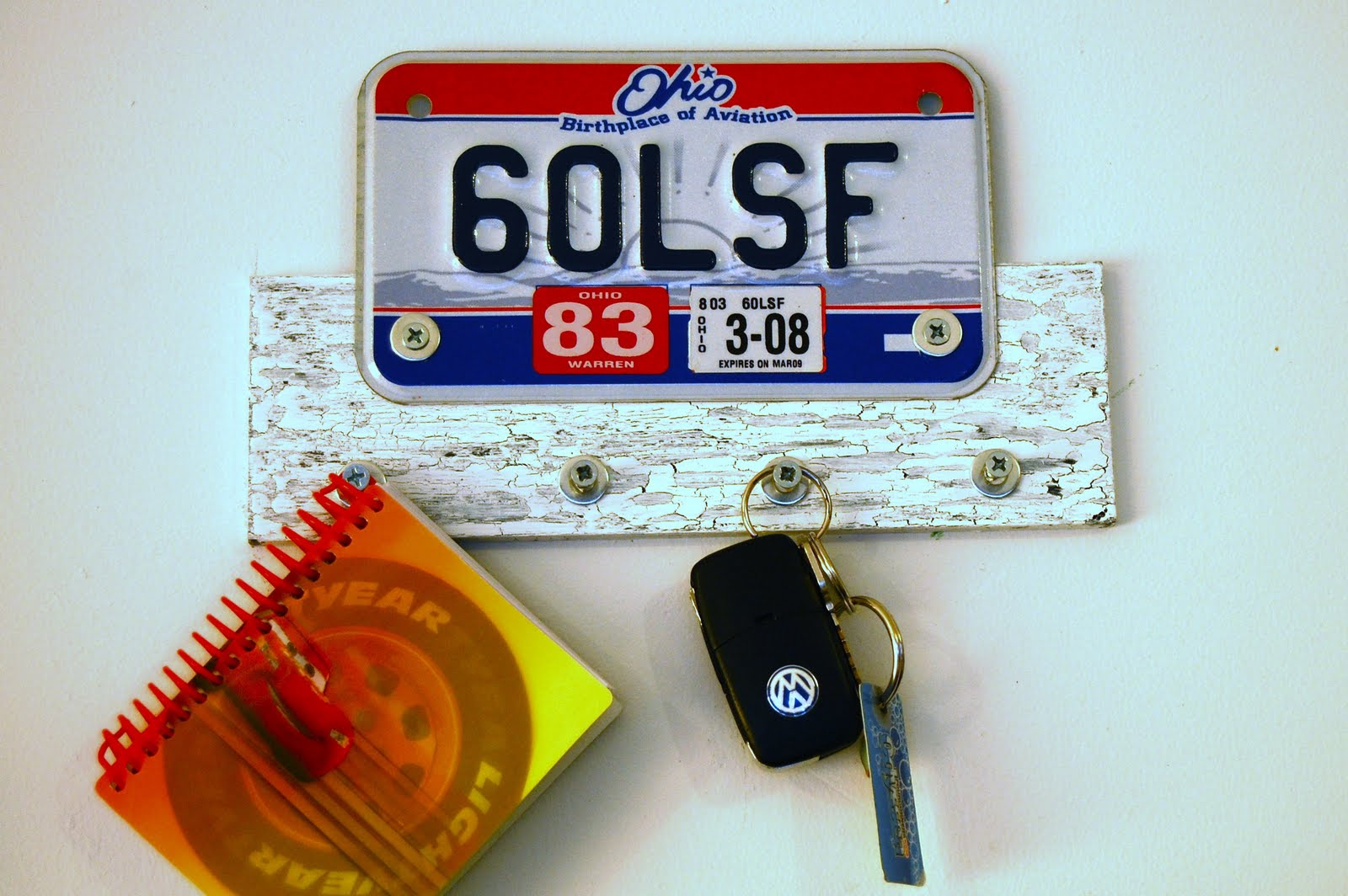 DIY License Plate Key Hanging