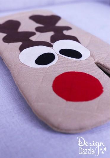 DIY Reindeer Oven Mitt