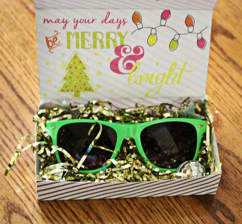 DIY Sunglasses Favor Box