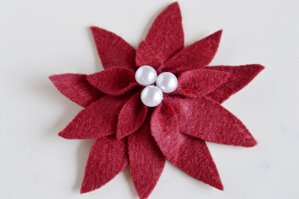Holiday Felt Poinsettias - DIY