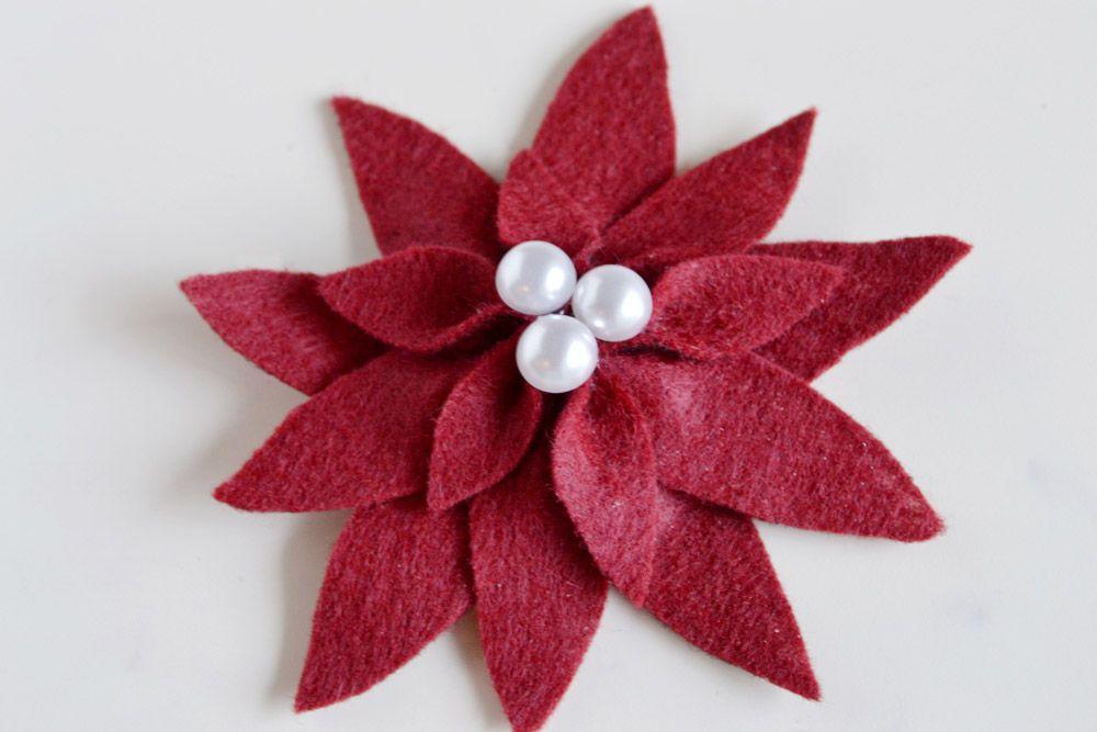 Holiday Felt Poinsettias – DIY
