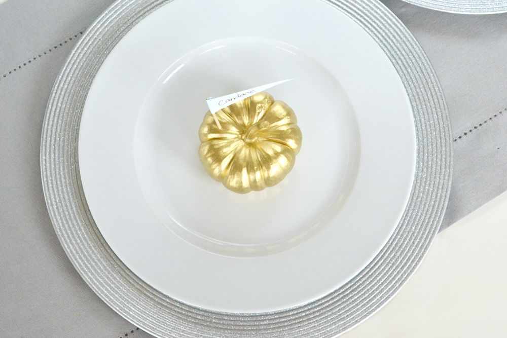 Vibrant Pumpkin Place Card Setting - Setting