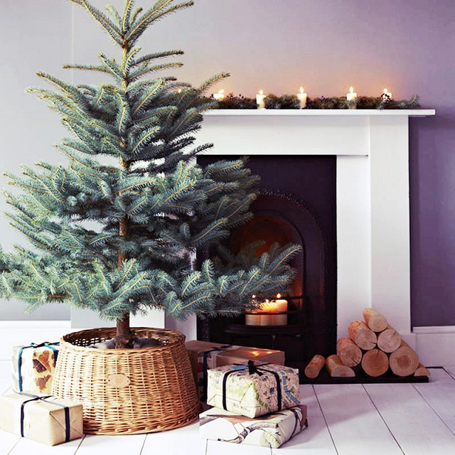 no fuss minimalist christmas tree mantel - Minimalist Christmas Decor
