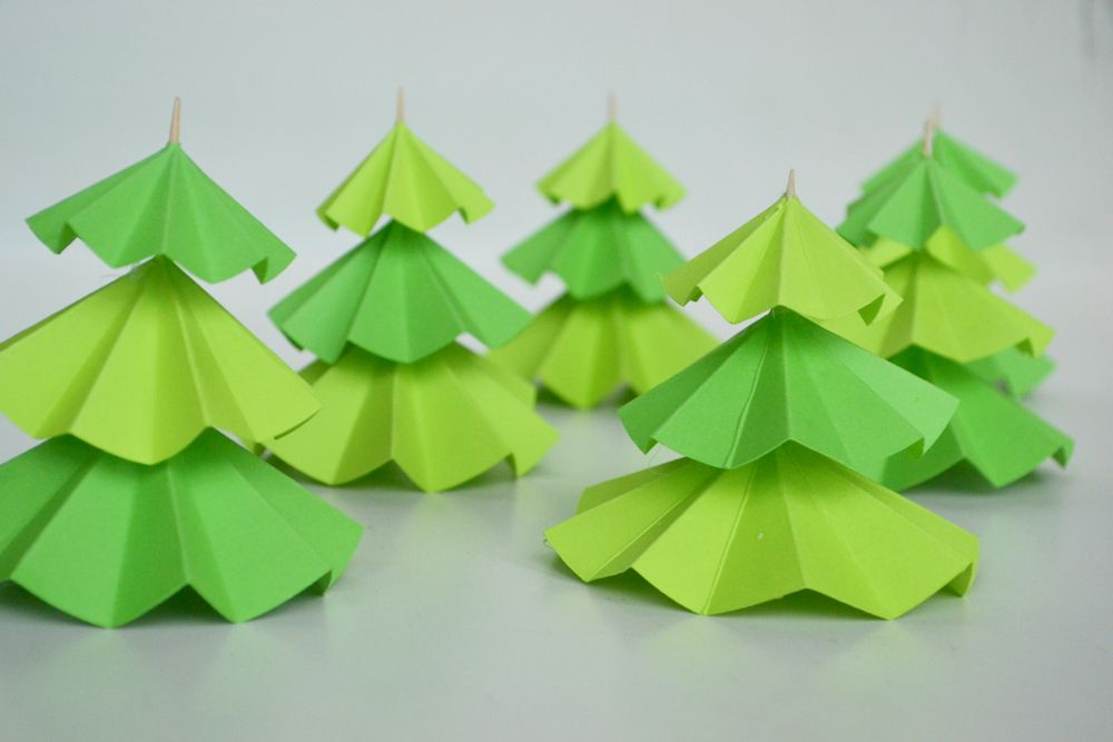 Christmas Tree Cupcake Toppers - String