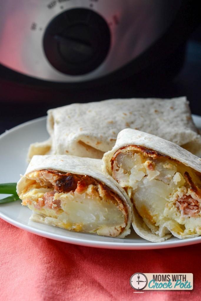 Crockpot-Breakfast-Burritios