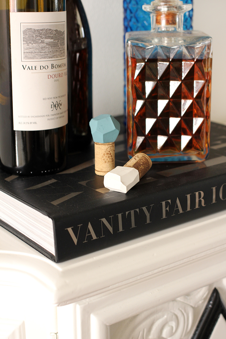 25 easy diy hostess gift ideas diy geometric bottle stoppers wine bottle stoppers are always a great hostess gift idea solutioingenieria Choice Image
