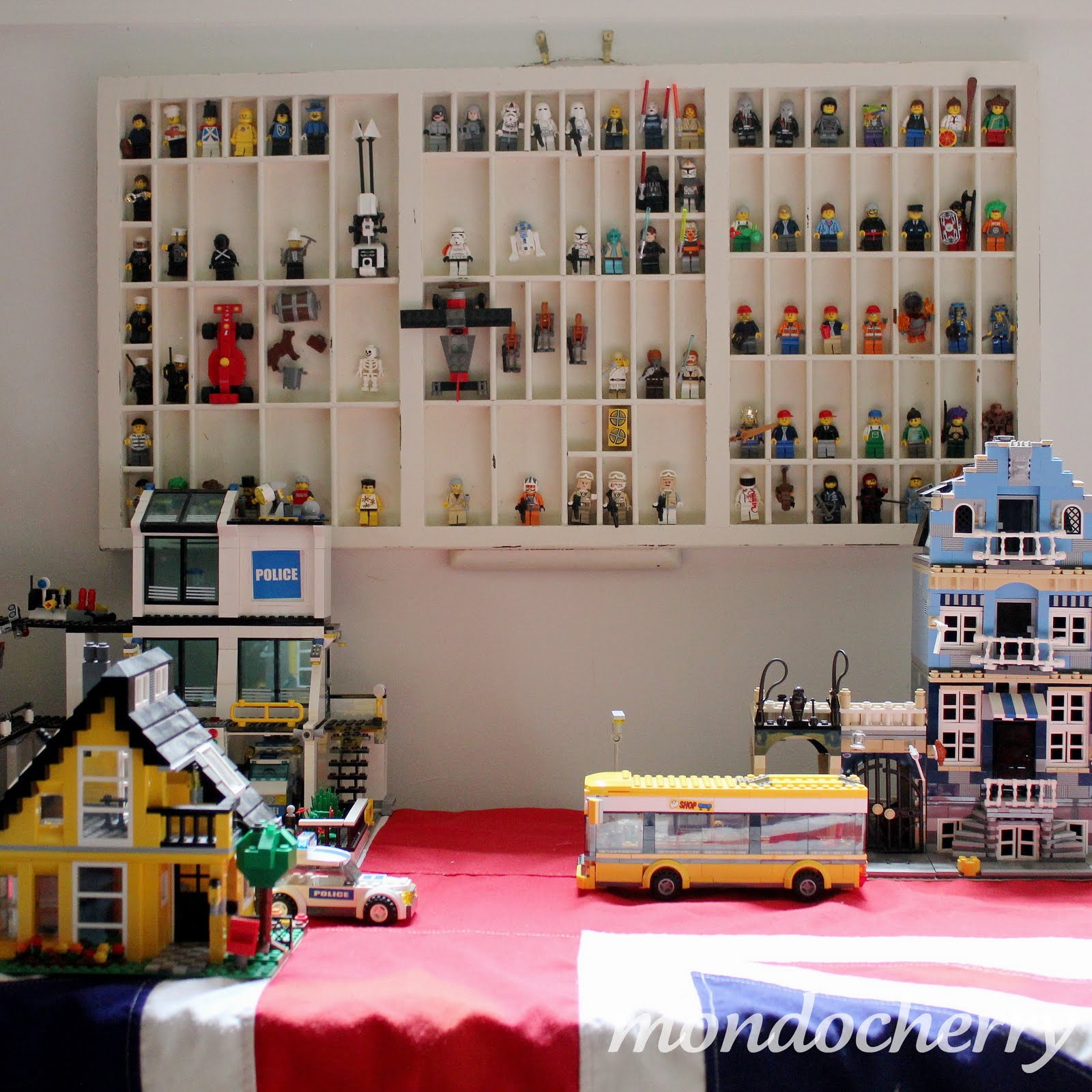 DIY Lego People Display