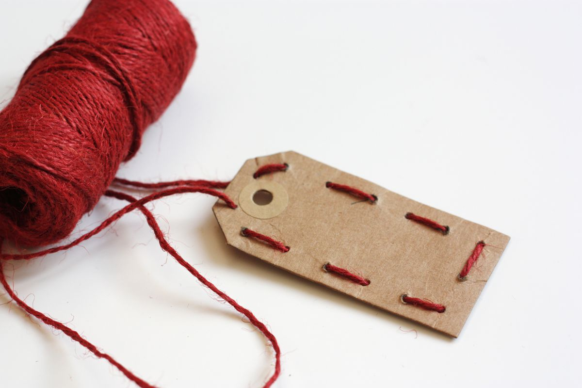DIY gift tag embrodered embroid