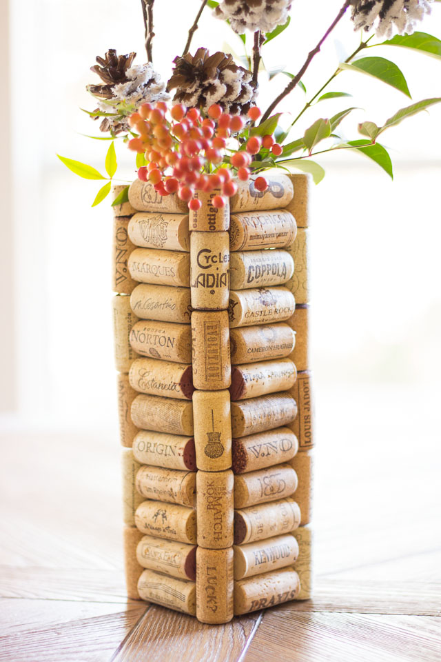 DIy Wine Cork Vase