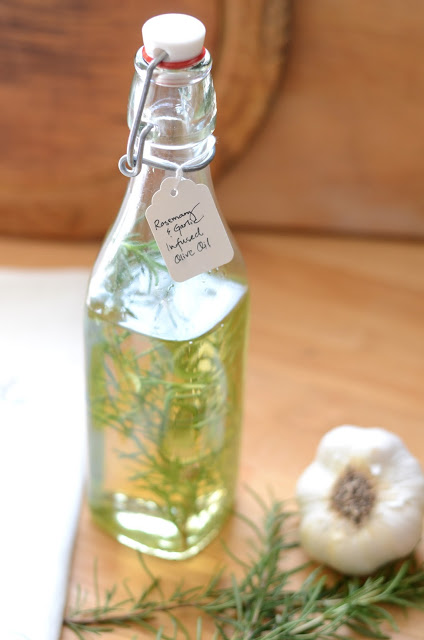Recipe Rosemary Garlic Infused Olive Oil, herb infused DIY (8)