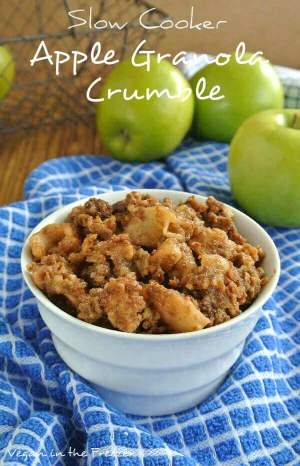 Slow-Cooker-Apple-Granola-Crumble