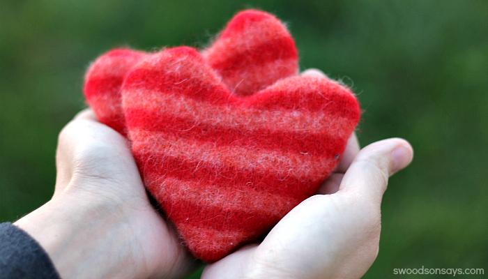 1 old sweater heart handwarmer