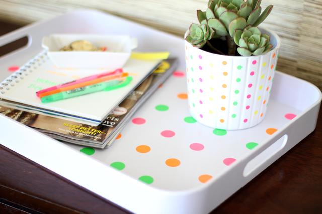 20 neon polka dot tray