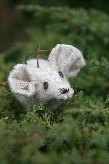 38 sweater mouse stuffed