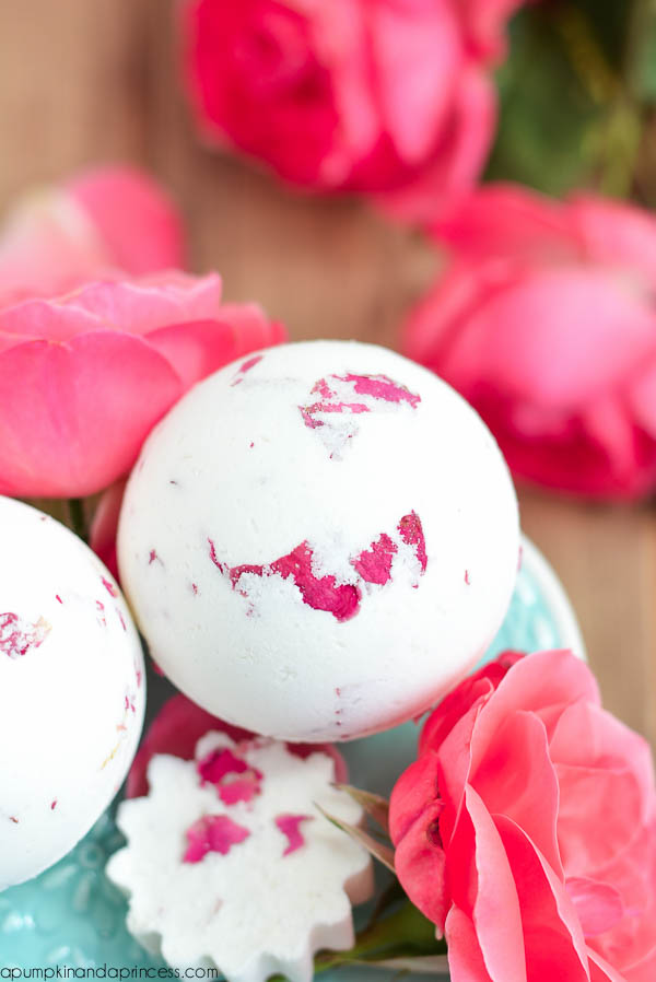 DIY-Rose-Bath-Bomb