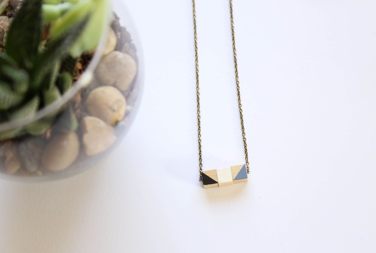DIY Wooden Cube Necklace Display