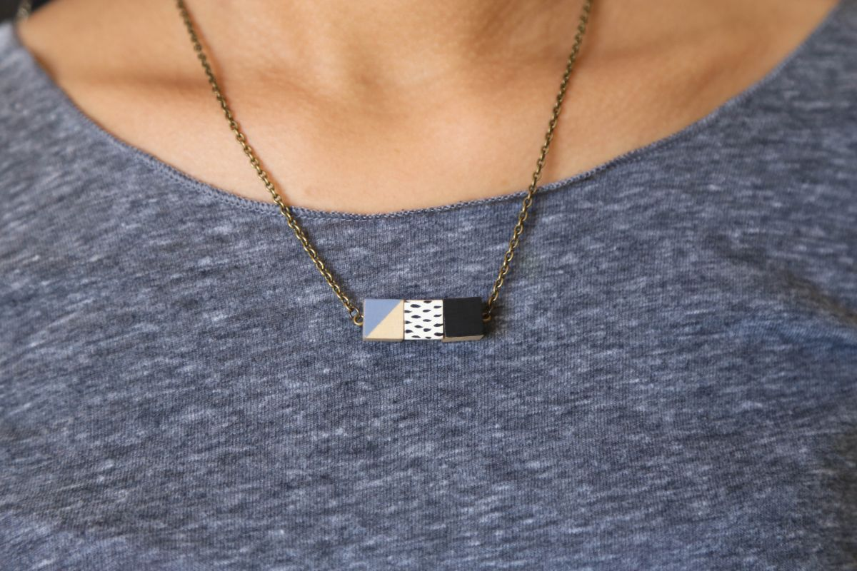 DIY Wooden Cube Necklace Wear