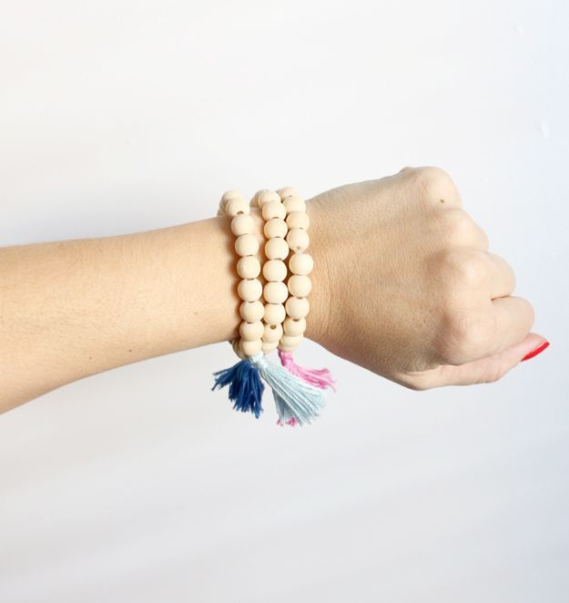 DIY Wooden Tassel Bracelet on wirst