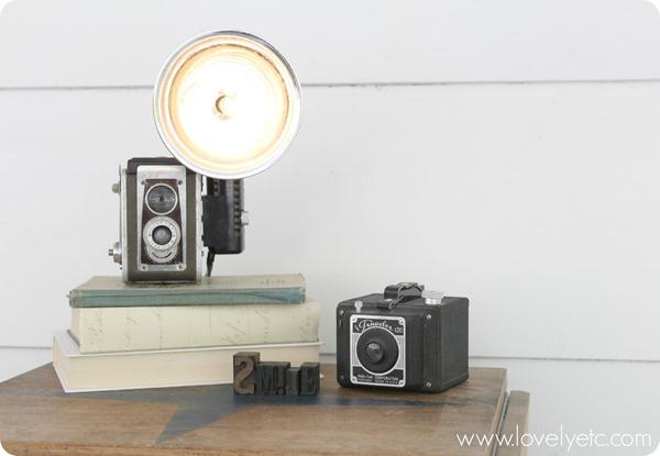 DIY-vintage-camera-lamp-you-can-totally-make-this_thumb