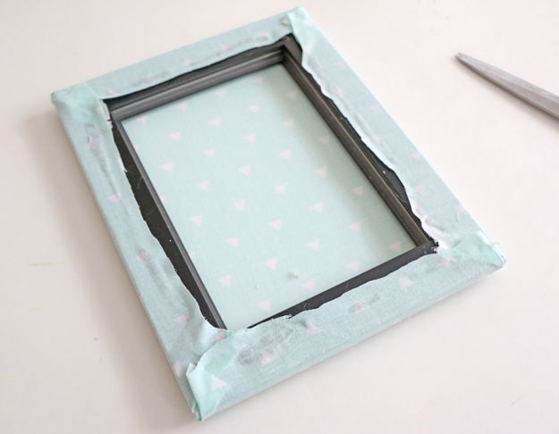 Fabric Picture Frame DIY - trim