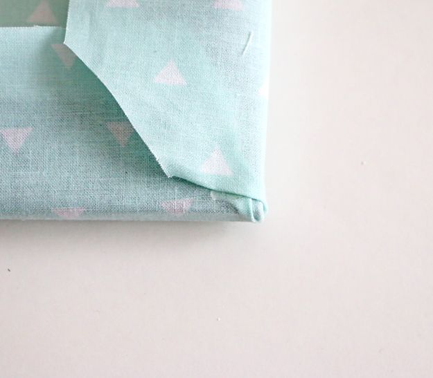 Fabric Picture Frame DIY - wrap corners