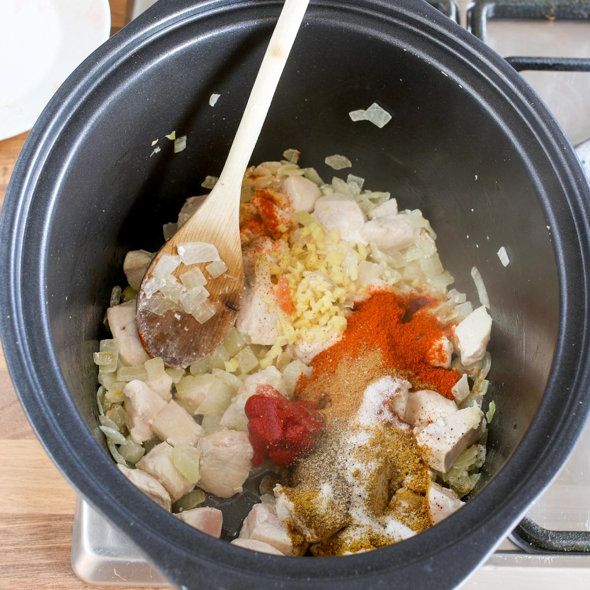 Spicy crockpot chicken curry5