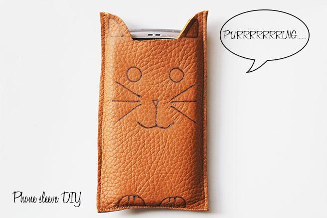 cat-phone-sleeve-diy
