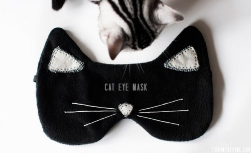 diy-cat-eye-mask-for-a-comfortable-sleep-1-500x304