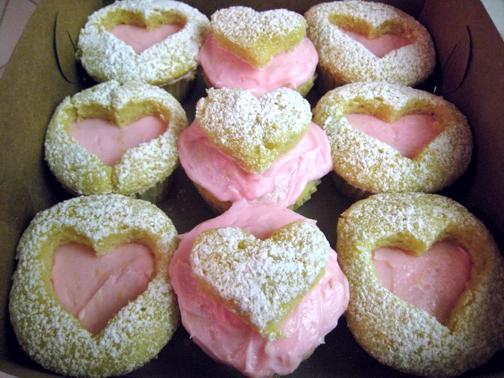 peekaboo-heart-cupcakes