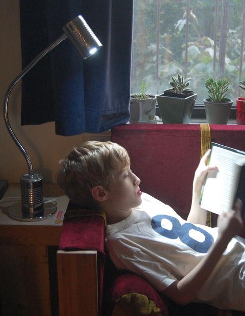 tin-can-reading-lamp