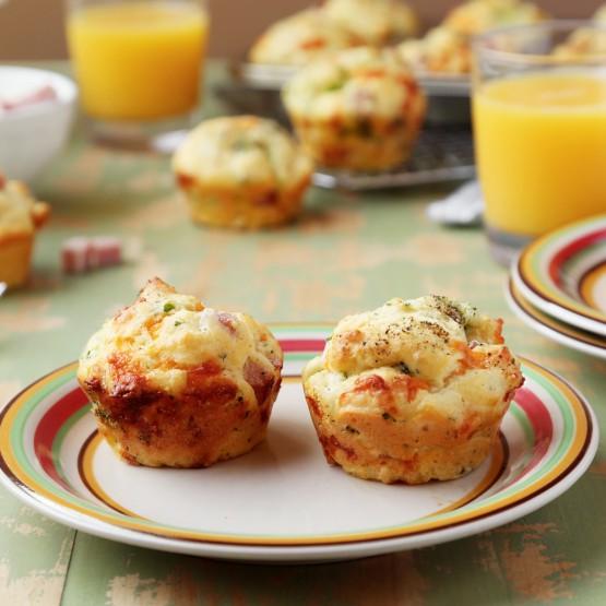 Broccoli ham & cheddar muffins