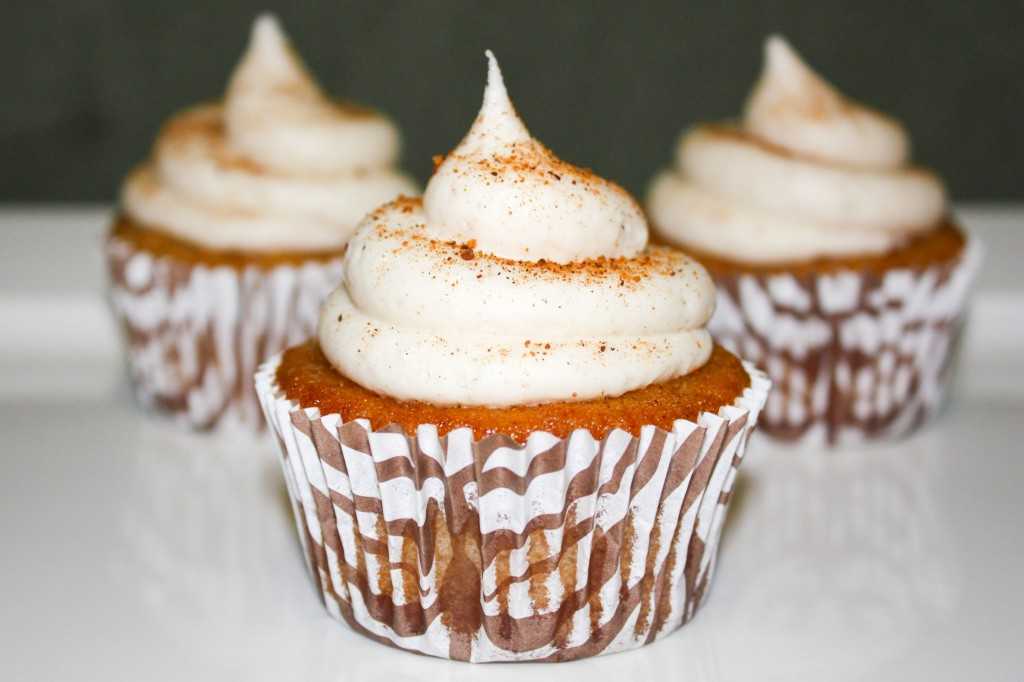 Cinn eggnog bourbon cupcakes