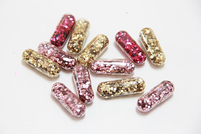 Glitter pills diy