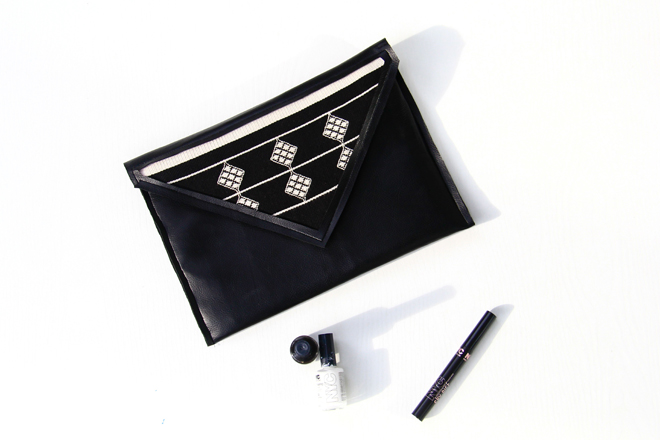 Leather clutch diy