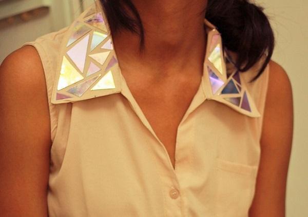Mirrored collar blouse