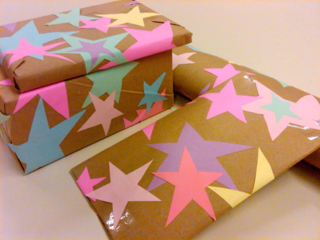 Star wrapping paper diy