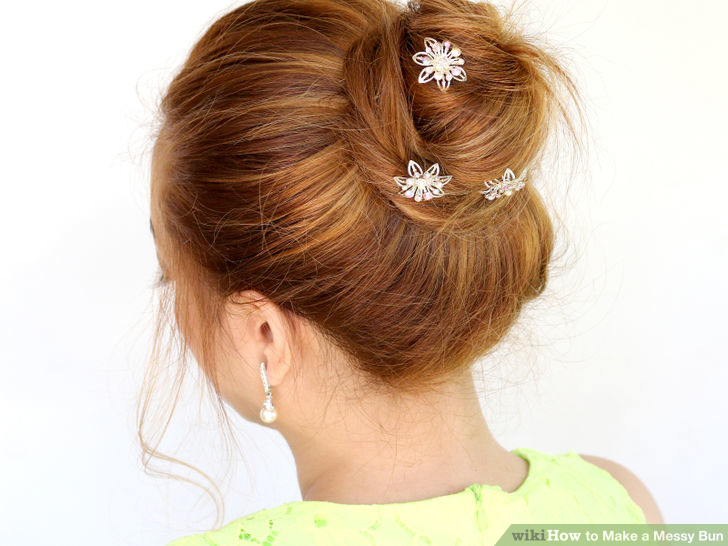 Diy messy buns that only take minutes back brushed messy bun urmus Gallery