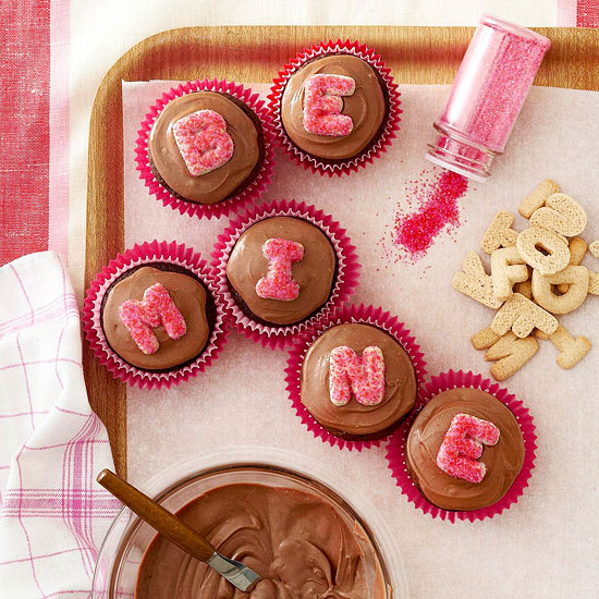 cookie-letter-cupcakes